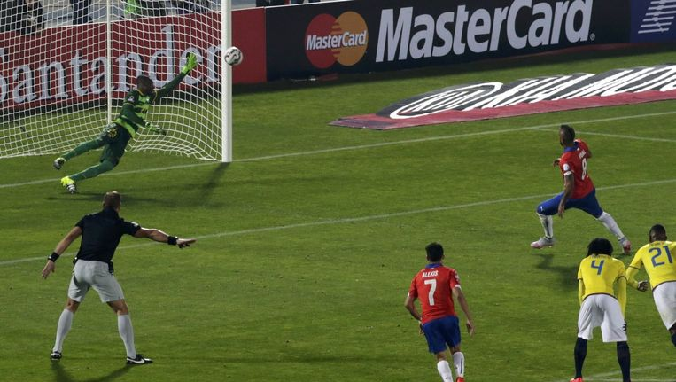 Vidal neemt penalty