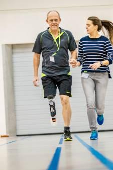 Jaren na de amputatie weer rennen dankzij blades: 'Als ik sport, voel ik me heel'