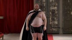 """Mannen met bierbuikje op de catwalk: """"Ik hou van mijn lichaam"""""""