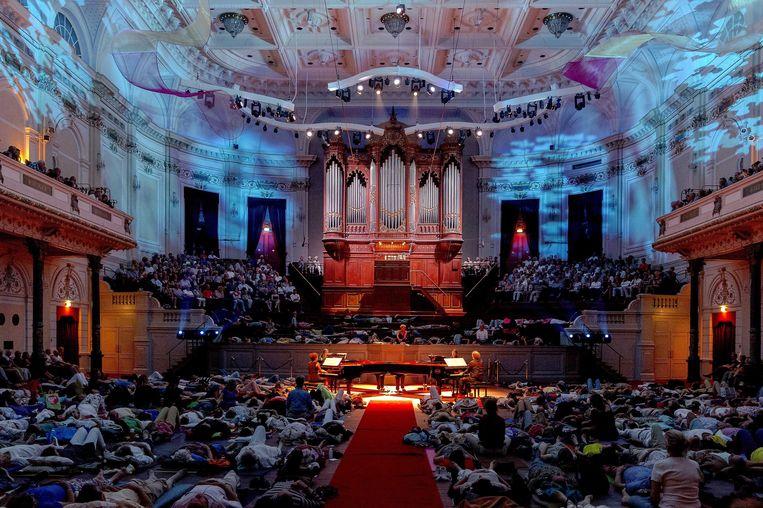 Het Amsterdamse Concertgebouw tijdens een opvoering van de Canto Ostinato van Simeon ten Holt op 10 juli van dit jaar. Beeld epa
