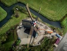 Schade aan de molen van de 'verzetsmolenaar' in Hellouw is na 75 jaar hersteld