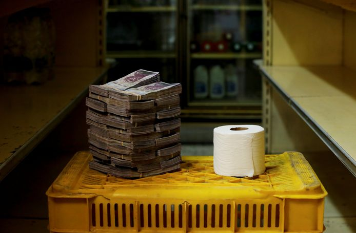Un rouleau de papier hygiénique valait, en août 2018, 2.600.000 bolivars, soit 0,35 euro (archives)