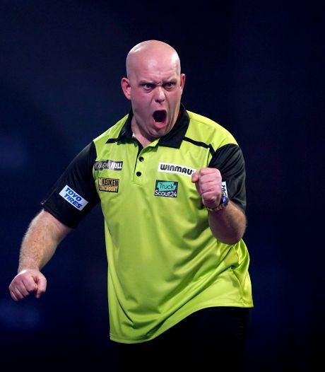 Indrukwekkende 'Mighty Mike' stoomt door naar achtste finales