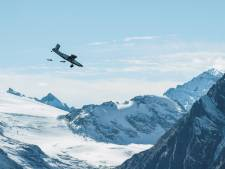 Ils entrent dans un avion en plein vol: à couper le souffle!