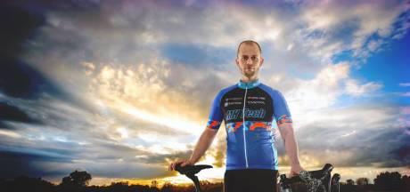 René (31) accepteerde kanker: 'Maar niet dat ik het van een ander heb gehad'
