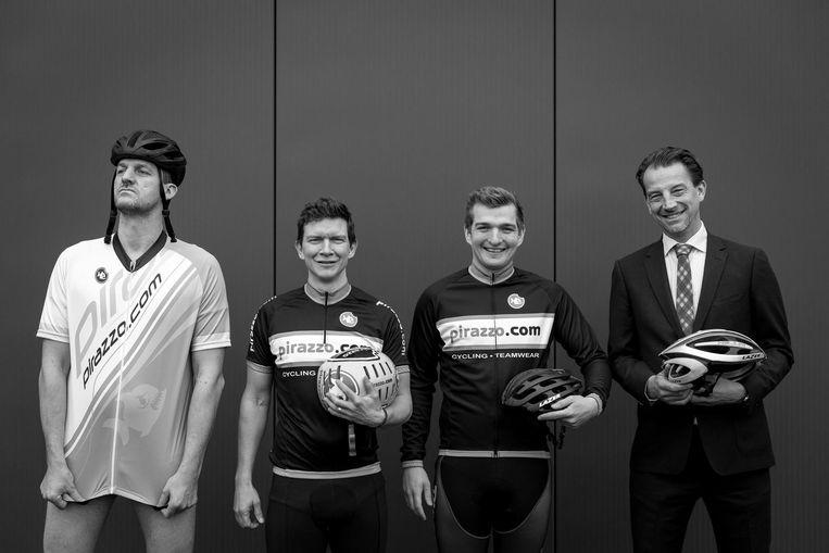 Ben Deburchgrave en Dieter Verheyen tussen hun sportieve ambassadeur Begijn le Bleu en zakelijke ambassadeur Peter s' Jongers (CEO Protime).