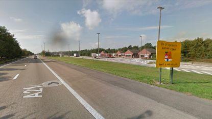 Minister De Crem neemt contact op met burgemeester rond probleem van snelwegparking in Mol-Postel