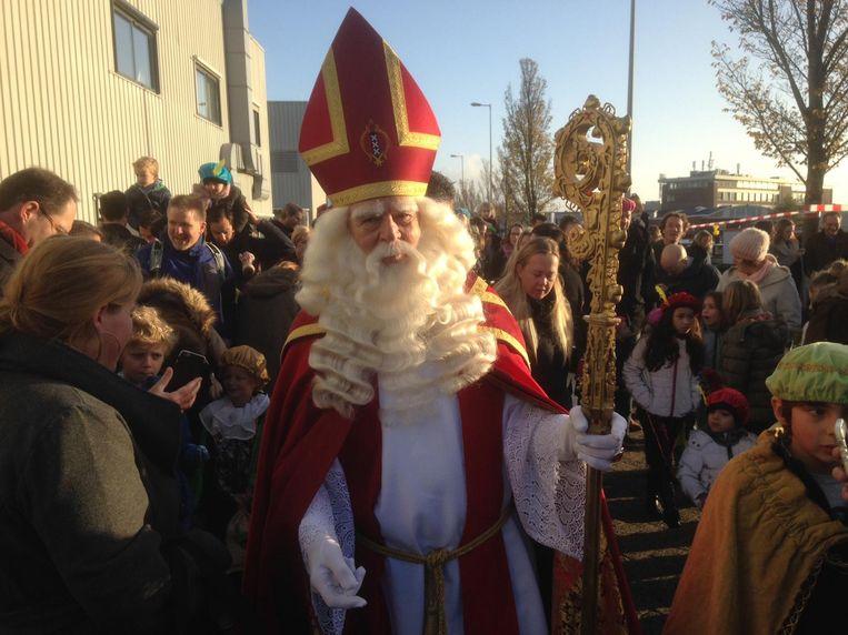 Sinterklaas voordat hij aan boord gaat Beeld Patrick Meershoek