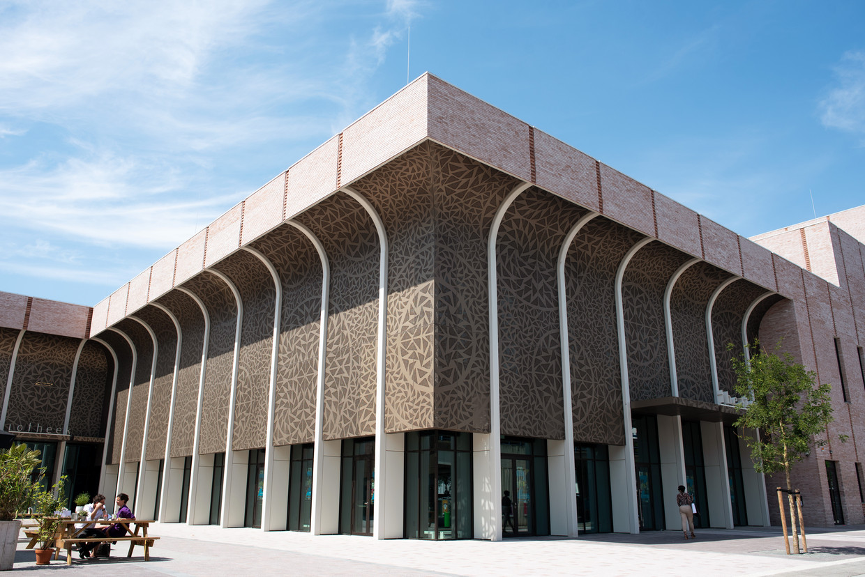 Het nieuwe Theater Zuidplein in Rotterdam. Beeld Sabine van Wechem