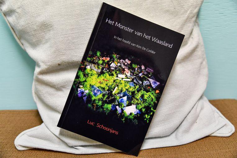 """""""Het Monster van het Waasland"""" is een volgende boek rond """"true crime""""-verhalen van Schoonjans."""