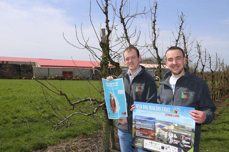 Serge Drillieux en Willem Hendrickx van Healthy Fruit laten je bloesems spotten vanuit de lucht.
