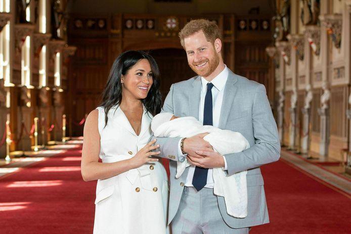 Meghan, Harry en zoontje Archie enkele dagen na zijn geboorte