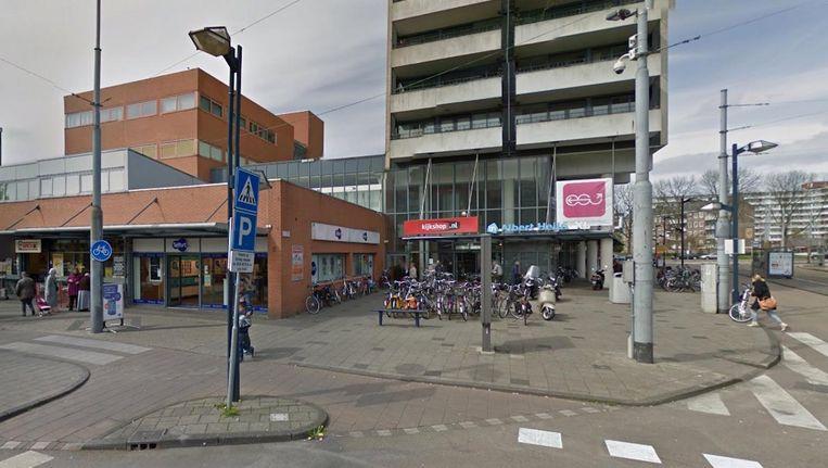 De vestiging op het Osdorpplein blijft, samen met die op het Buikslotermeerplein, gesloten. Beeld Google Streetview