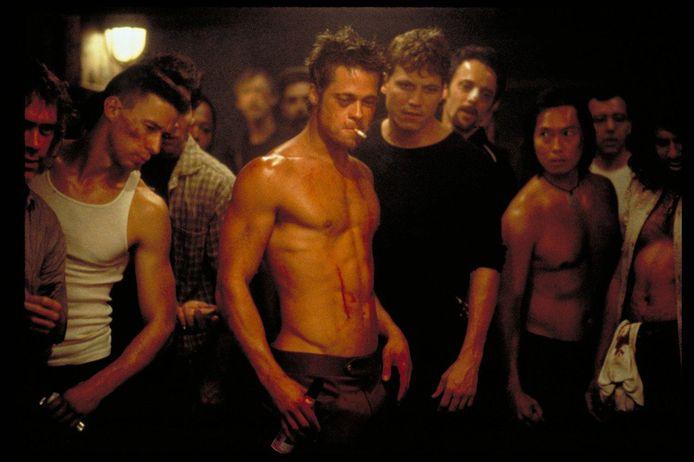 Brad Pitt (midden) in 'Fight Club'