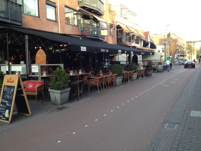 De terrassen aan de JG Sandbrinkstraat.