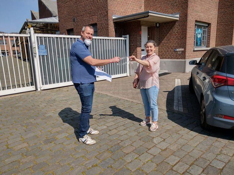 Katia van Oosterwijck uit Boom is zelfstandig verpleegster en ontving een van de eerste gezichtsmaskers van PTS Boom.