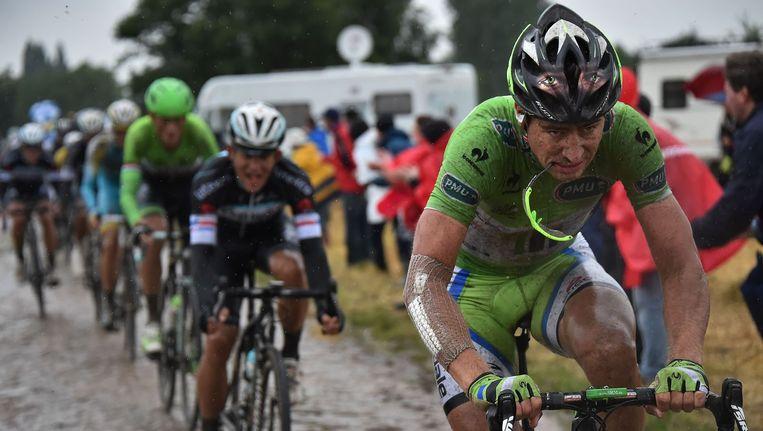 Peter Sagan op de kasseien tijdens de zware vijfde etappe Beeld null