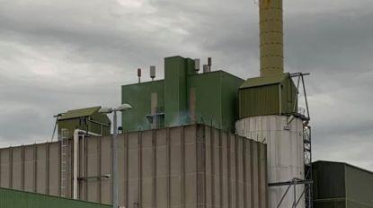 VIDEO. Brand op dak van verbrandingsoven snel onder controle
