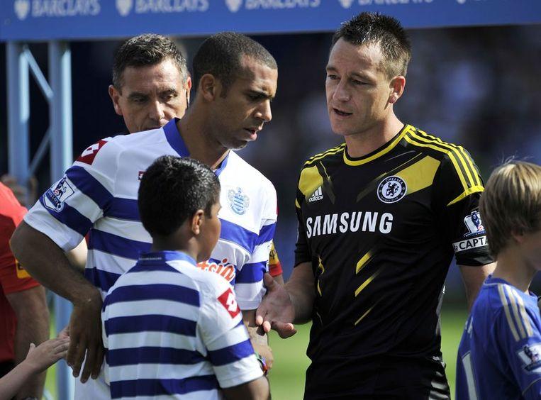 Anton Ferdinand weigerde nadien de hand van John Terry in een duel tussen QPR en Chelsea.