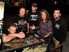 Bassist The Adolescents overlijdt, maar concert in Arnhem gaat door