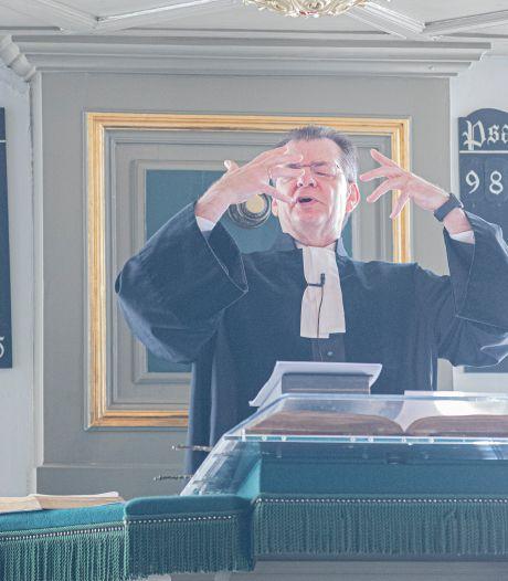 Urker kerken schalen kerkbezoek af. Dominee Uitslag: 'Maar we begrijpen niet waarom dat moet'