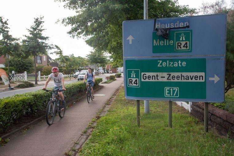 Laarne zoekt alternatieven voor het zware verkeer van Wetteren richting R4.