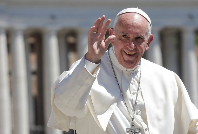 Iemand die over vluchtelingen spreekt zoals Trump dat doet is geen echte christen, zei Franciscus.  Beeld REUTERS