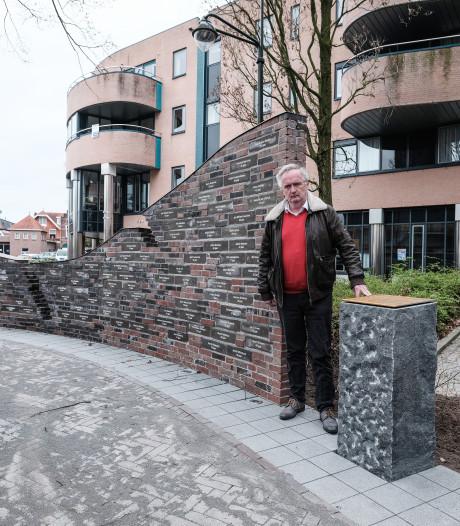 Monument Winterswijke oorlogsslachtoffers  wordt in stilte onthuld