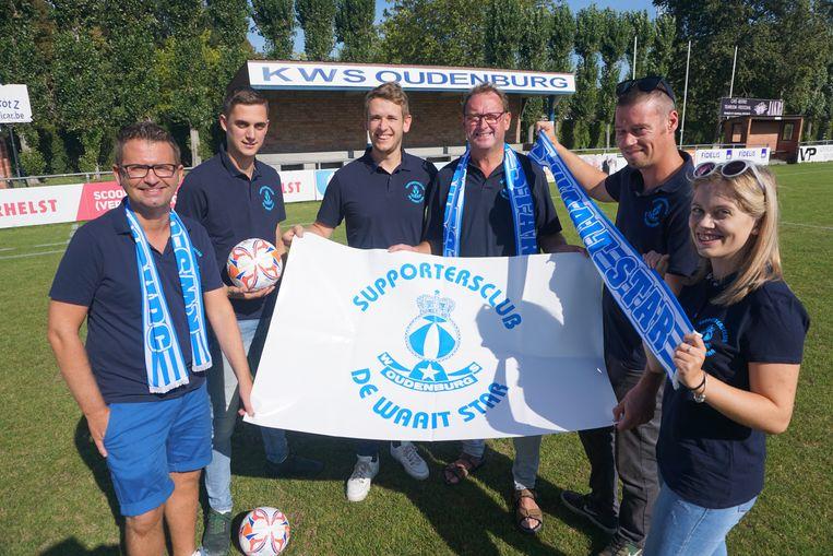 De Waait Star is de officiële supportersclub van voetbalploeg White Star Oudenburg. (vlnr) Stefaan Reynaert, Jeroen Lingier, Jens Balliere, Jaak Lingier, Jasper Vandecasteele en Tyara De Craemer
