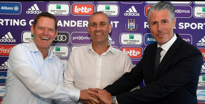 Simon Davies nouvel entraîneur principal d'Anderlecht