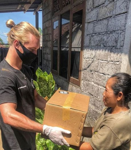 Oldenzaler Chiel Smellink trotseerde corona en leverde voedselpakketten af op Bali