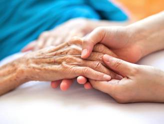 "COLUMN. Ann De Craemer: ""Kón ik mijn grootmoeder nog maar beschermen"""