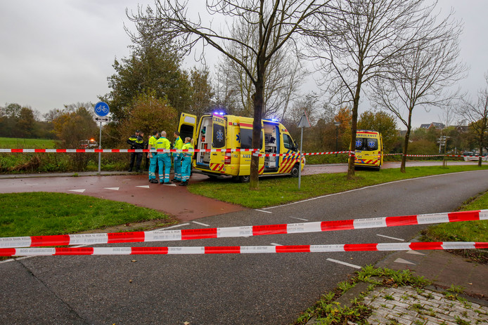 ▲ De politie doet onderzoek in de Goorstraat in Geldrop waar Michal Melka werd aangetroffen.