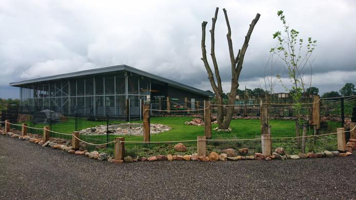 Het energieneutrale gebouw van Zie-ZOO waar onder meer de tapirs, neusberen en capibaras vertoeven.