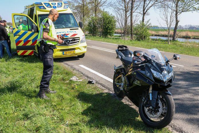 Een motorrijder raakte gewond nadat hij in botsing kwam met een reiger.