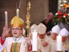 Belofte maakt schuld: burgemeester Venray wandelt 40 kilometer voor bezoek aan bisschop