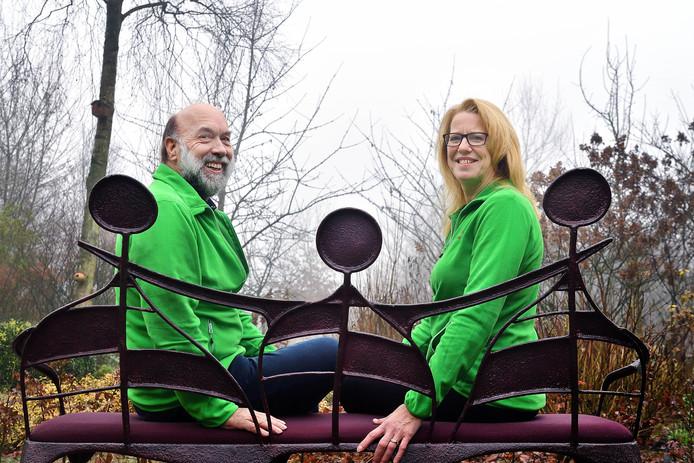 Leo Smits uit Sprundel en Miranda Touz uit St. Willebrord vormen samen de stichting Het Warme Hart.