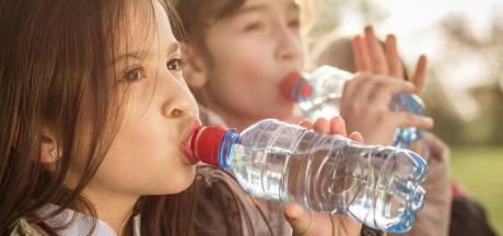 Plastic ontdekt in mineraalwater - ook bij Evian en San Pellegrino