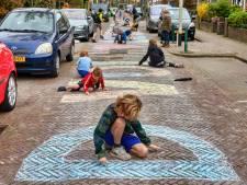 Honderden hartenkreten vanuit de lucht boven Breda: 'Samen staan we sterk'