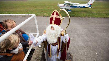 Sint landt veilig op Aero Kiewit