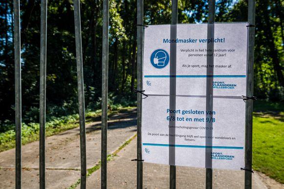 Domein Hazewinkel is, omwille van samenscholingsgevaar, enkel toegankelijk via de hoofdingang. Ook de Bocht werd afgesloten.