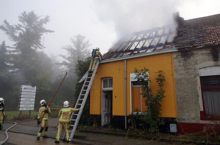 Het huisje aan de Turnhoutsebaan brandde bijna helemaal af.