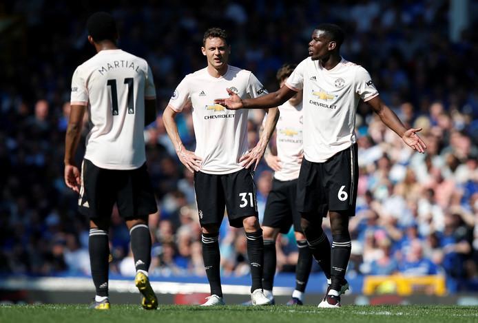 Paul Pogba blameert zich met Manchester United bij Everton.