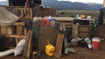 """""""We verhongeren hier"""": elf verwaarloosde kinderen gered uit ondergronds wooncomplex"""