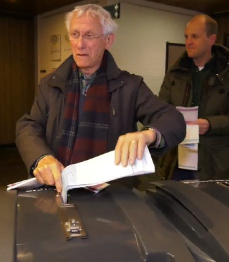 Als eerste stemmen: het is Anton (82) weer gelukt
