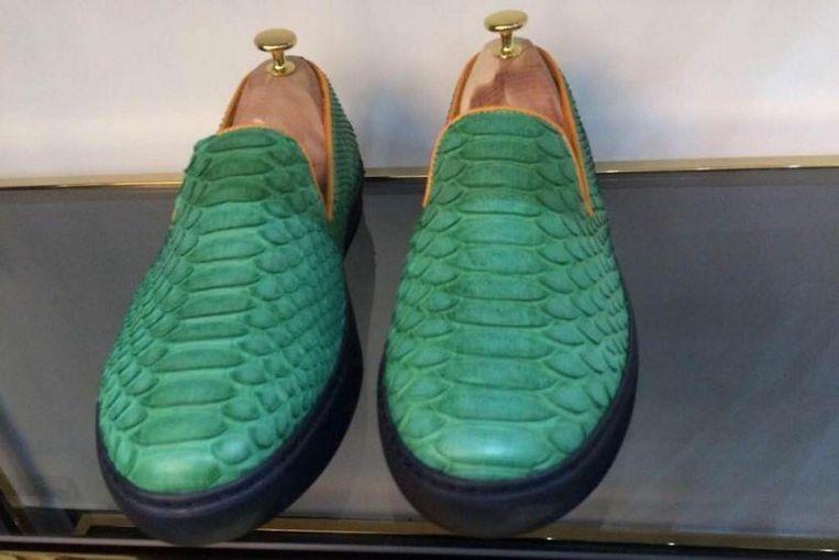 Een paar schoenen dat in bewaring is genomen. Beeld NVWA