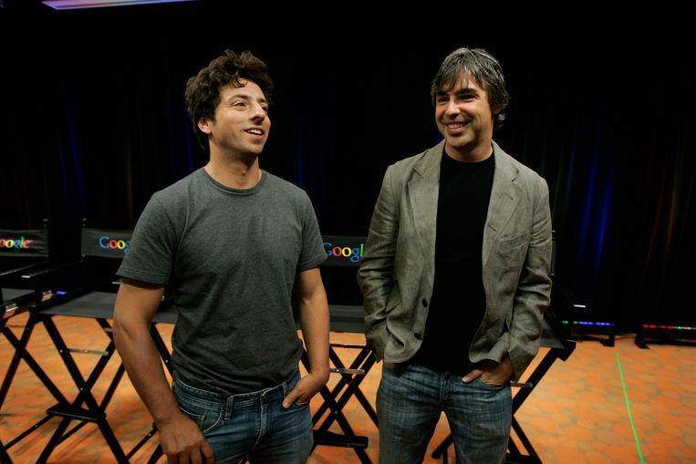Sergey Brin (links) en Larry Page richtten in 1998 Google op en gaven sindsdien leiding aan het bedrijf.
