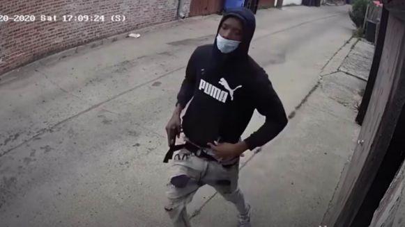 Laroy Battle (19) wordt verdacht van dubbele moord.