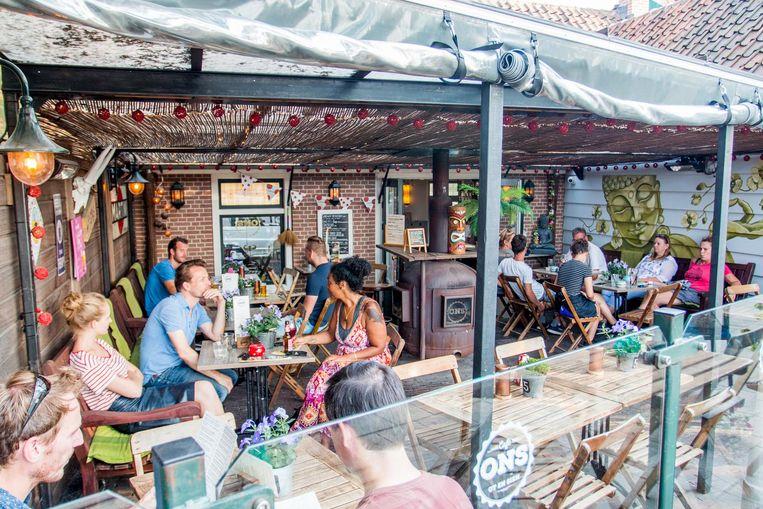 Café ONS: een veilige bierkeuze maar een onderschat terras Beeld Jesper Boot