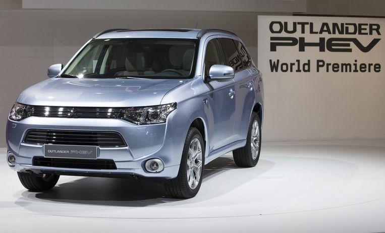 De financiële voordelen voor kopers van de Mitsubishi Outlander PHEV konden oplopen tot 31 duizend euro. Beeld EPA